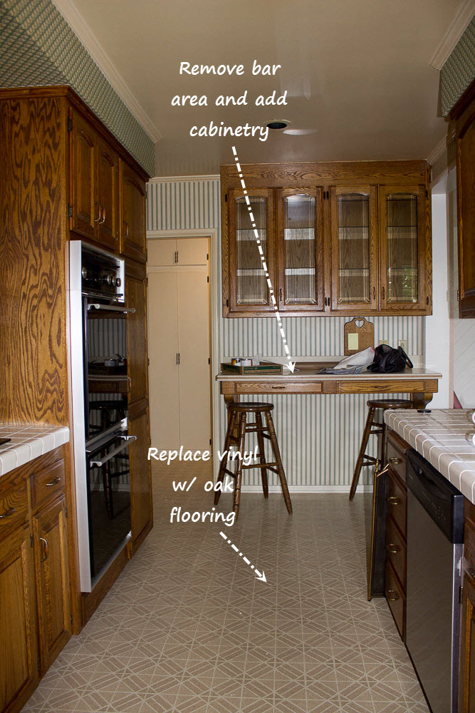 Kitchen Bar before