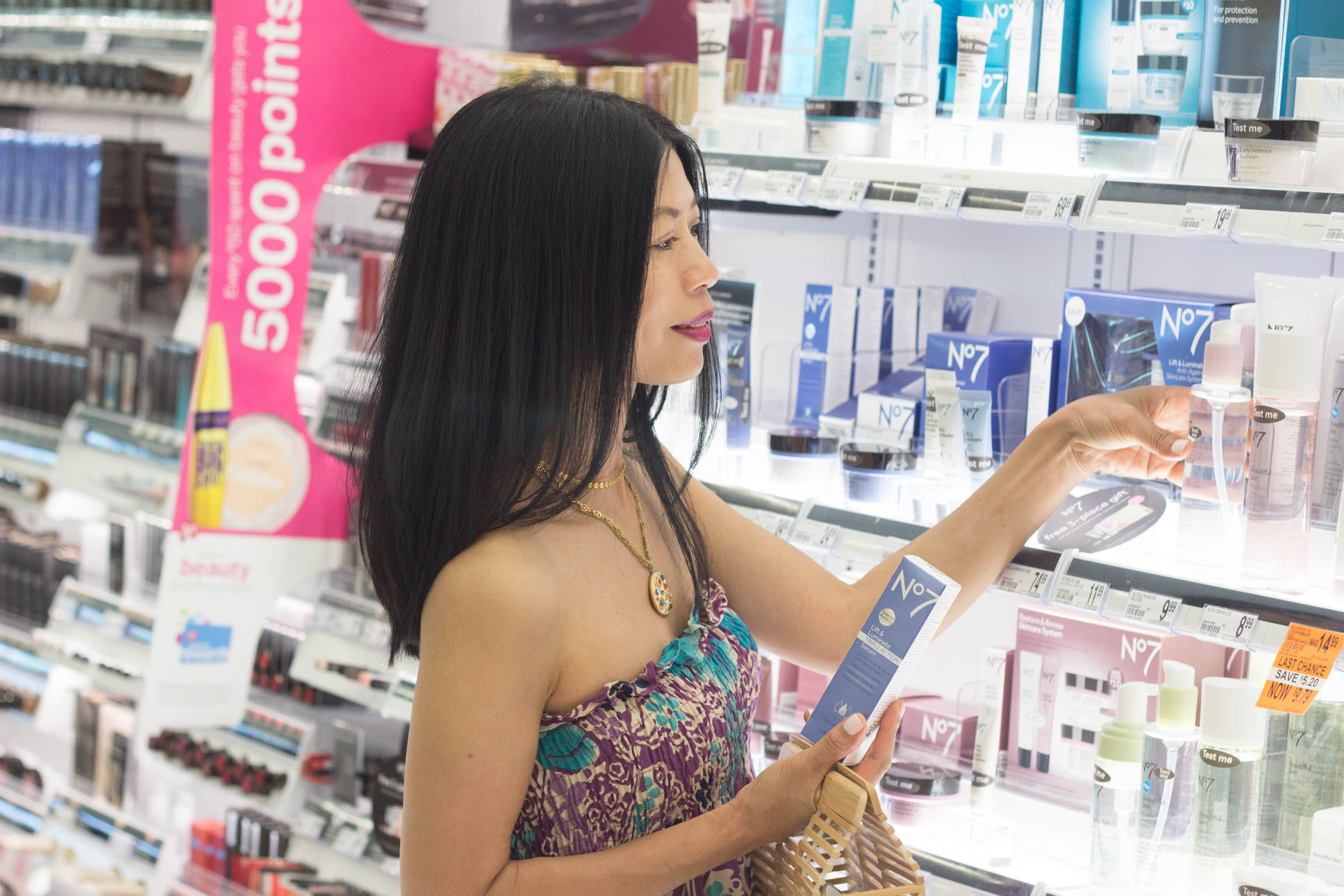 walgreens beauty consultant